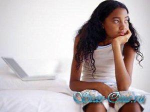 Девушки толстеют от интернета и недосыпания